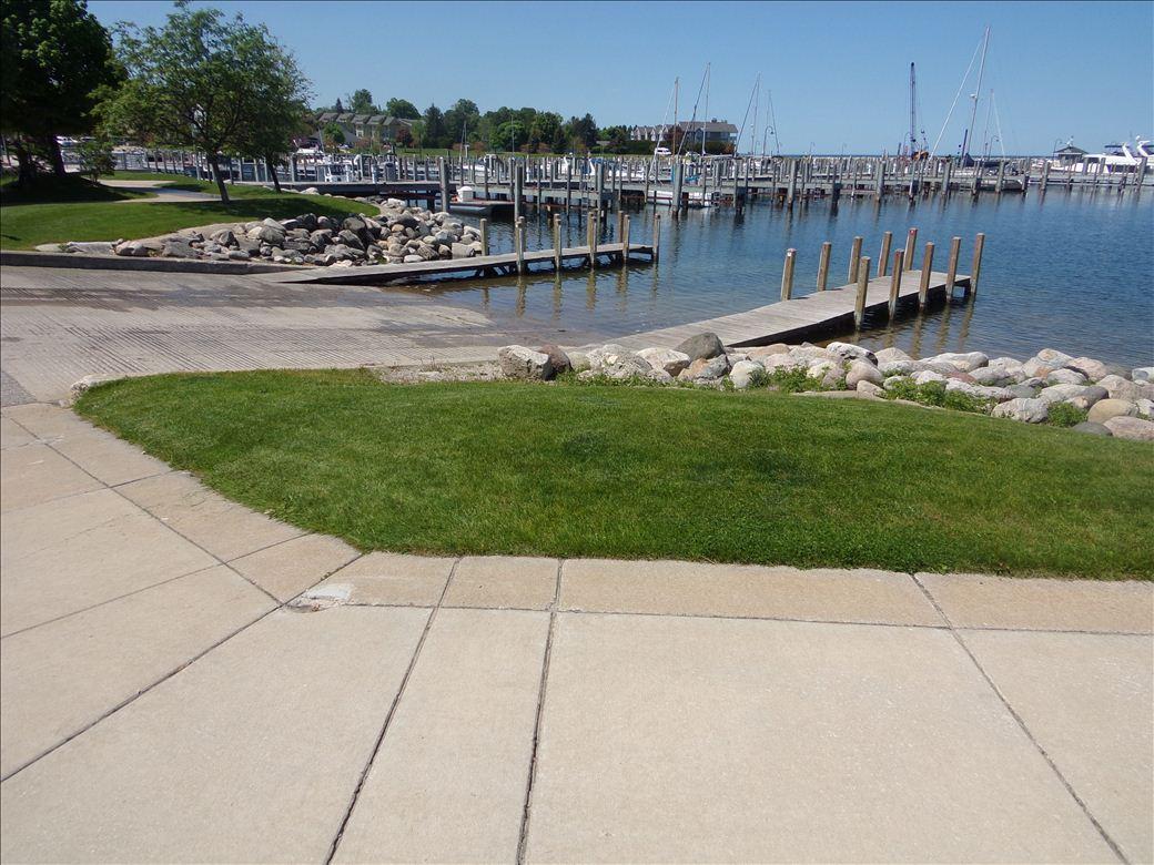 Petoskey Municipal Marina - Michigan Water Trails
