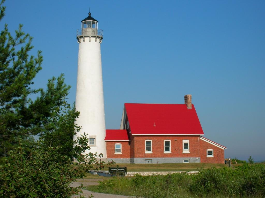 tawas_lighthouse_2.jpg